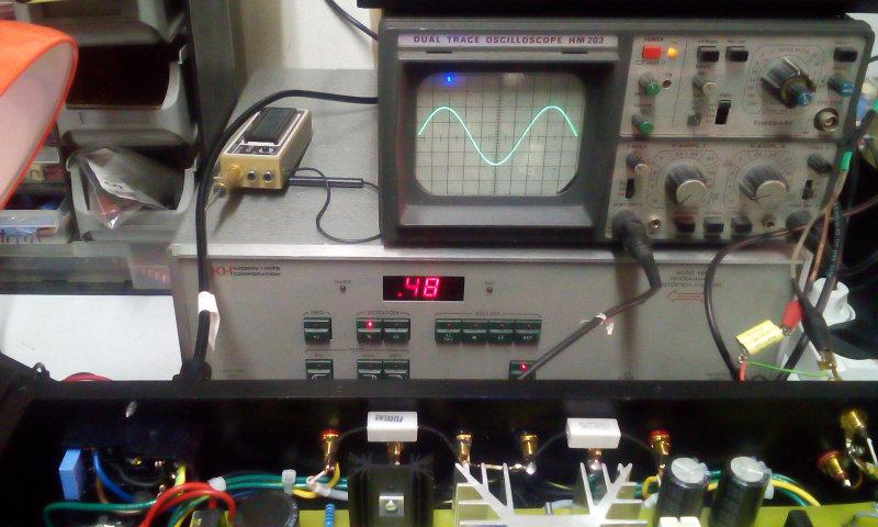 0,48% THD , 15,2V RMS , 8 ohmi , 1000hz.jpg