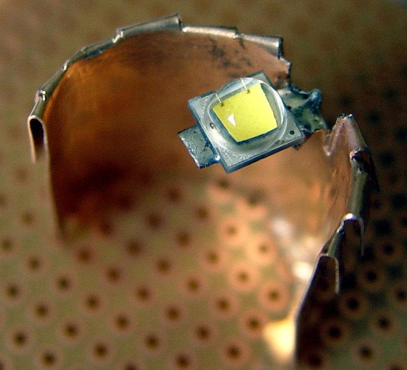 led1.thumb.jpg.29c34e0745cc783cb5d3190d4d924806.jpg