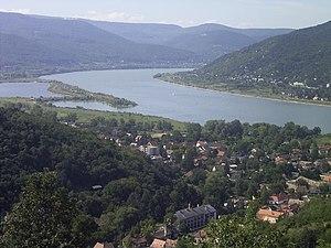 DonauknieVisegrad.jpg.8dc782d22f89513af4b48ec6c3b7f781.jpg